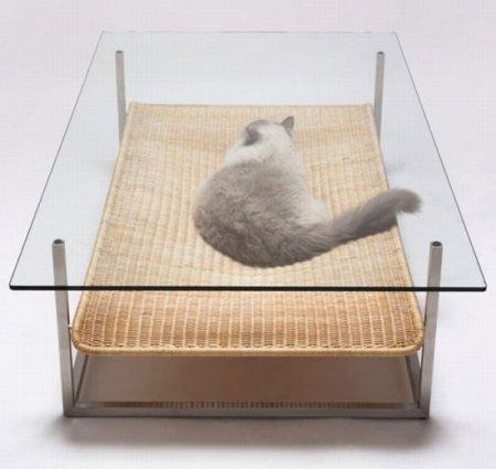 Столик для кота