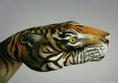 Необычный бодиарт: протяни руку природе
